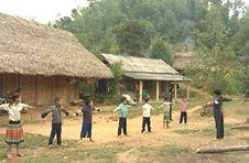 Trợ cấp cho nhà giáo đến công tác ở vùng ĐBKK có gia đình chuyển đi theo